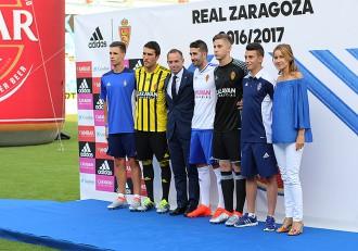 Presentación de camisetas Real Zaragoza